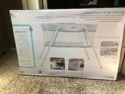 Fisher- Stow 'n Go  Bassinet - White