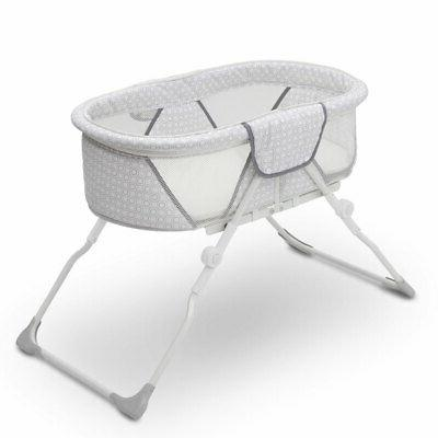 Delta Children 2284 EZ Fold Ultra Compact Travel Newborn Bassinet Inner Circle