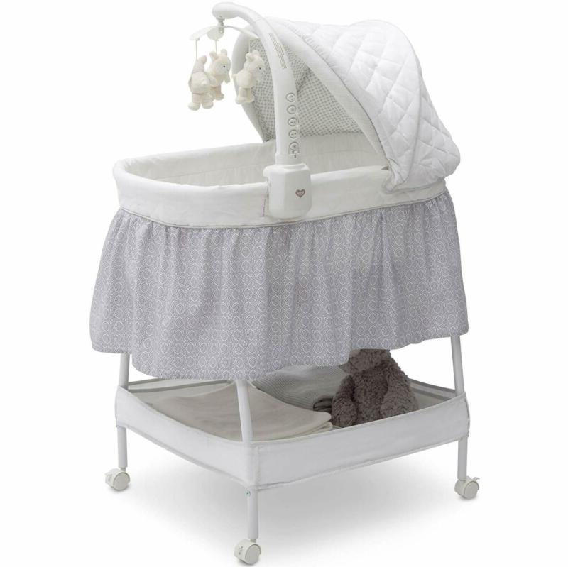 deluxe gliding bassinet silver lining