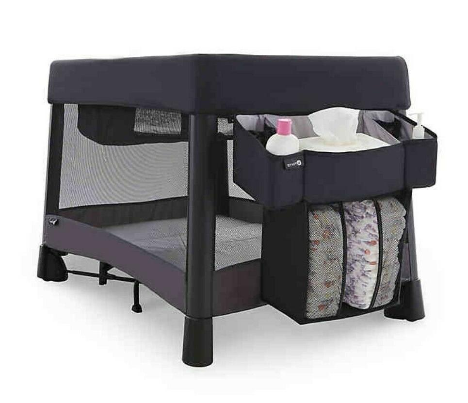 NEW 4moms Playard w/ Sheets, Caddy