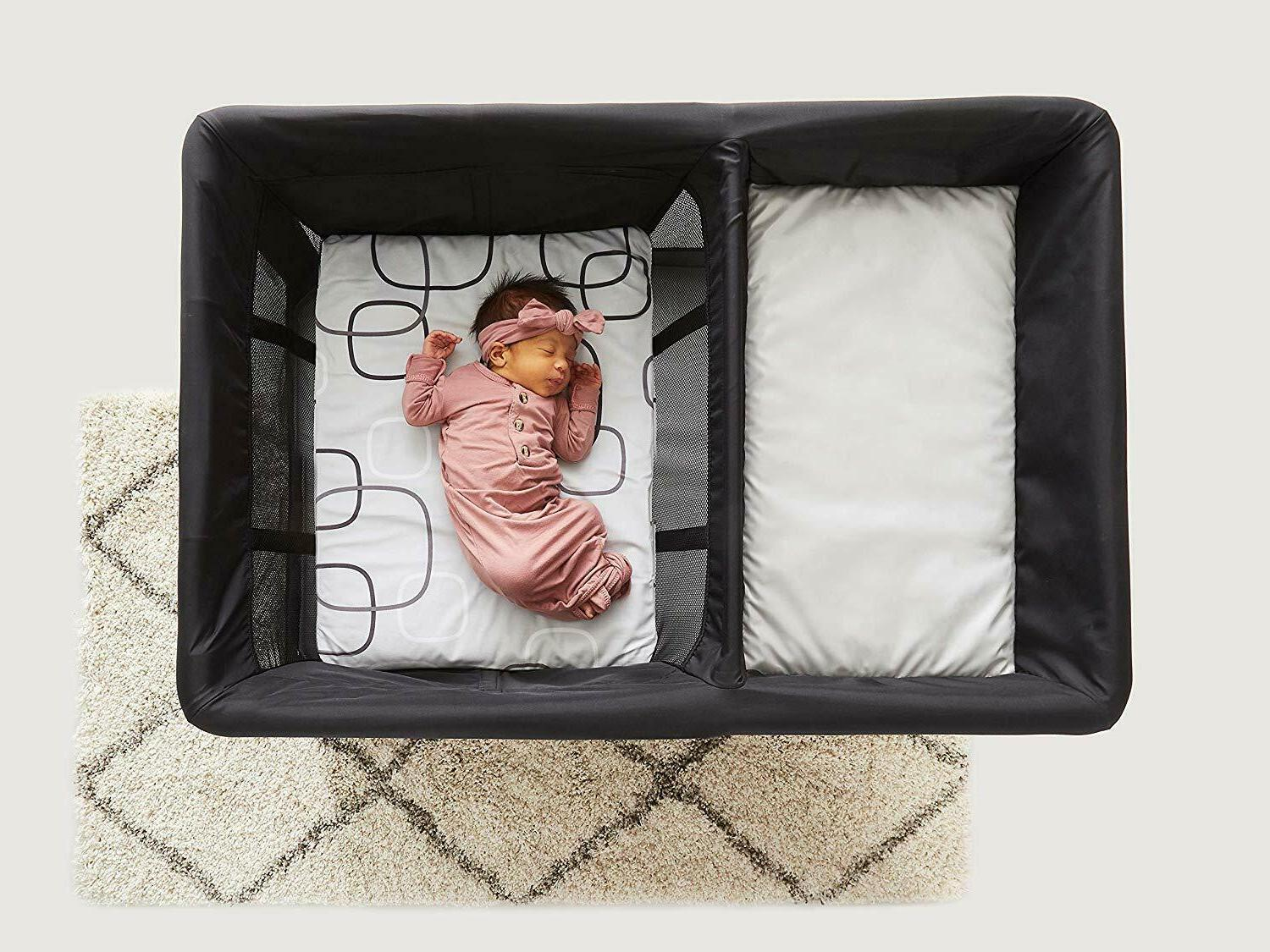 NEW w/ Bassinet , Sheets, Diaper Storage Caddy