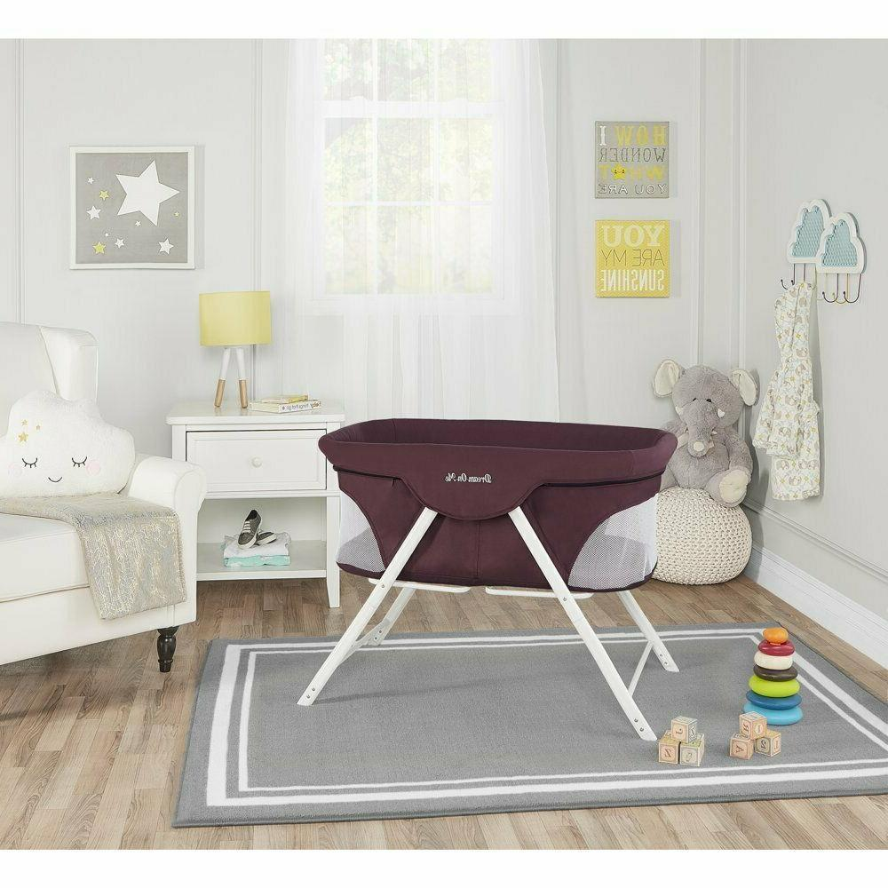 Dream On Portable Bassinet In